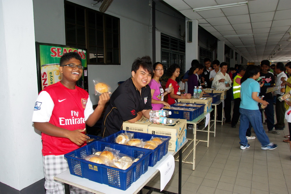 SMC youth manning refreshments stall
