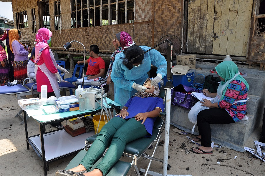 Medical and dental camp at Kg Air Bah Lawin