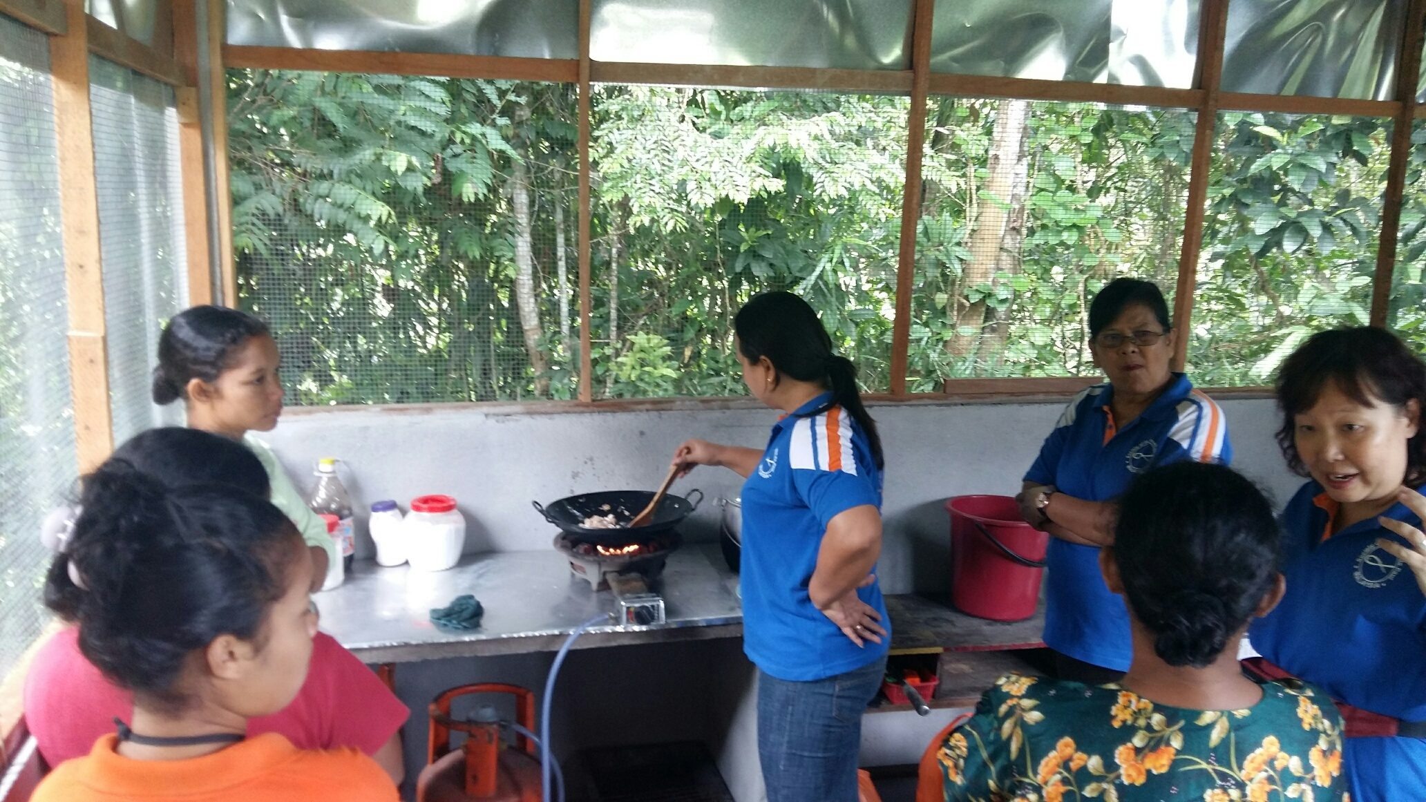 SSVP cooking class at Kg Sinju Education Centre