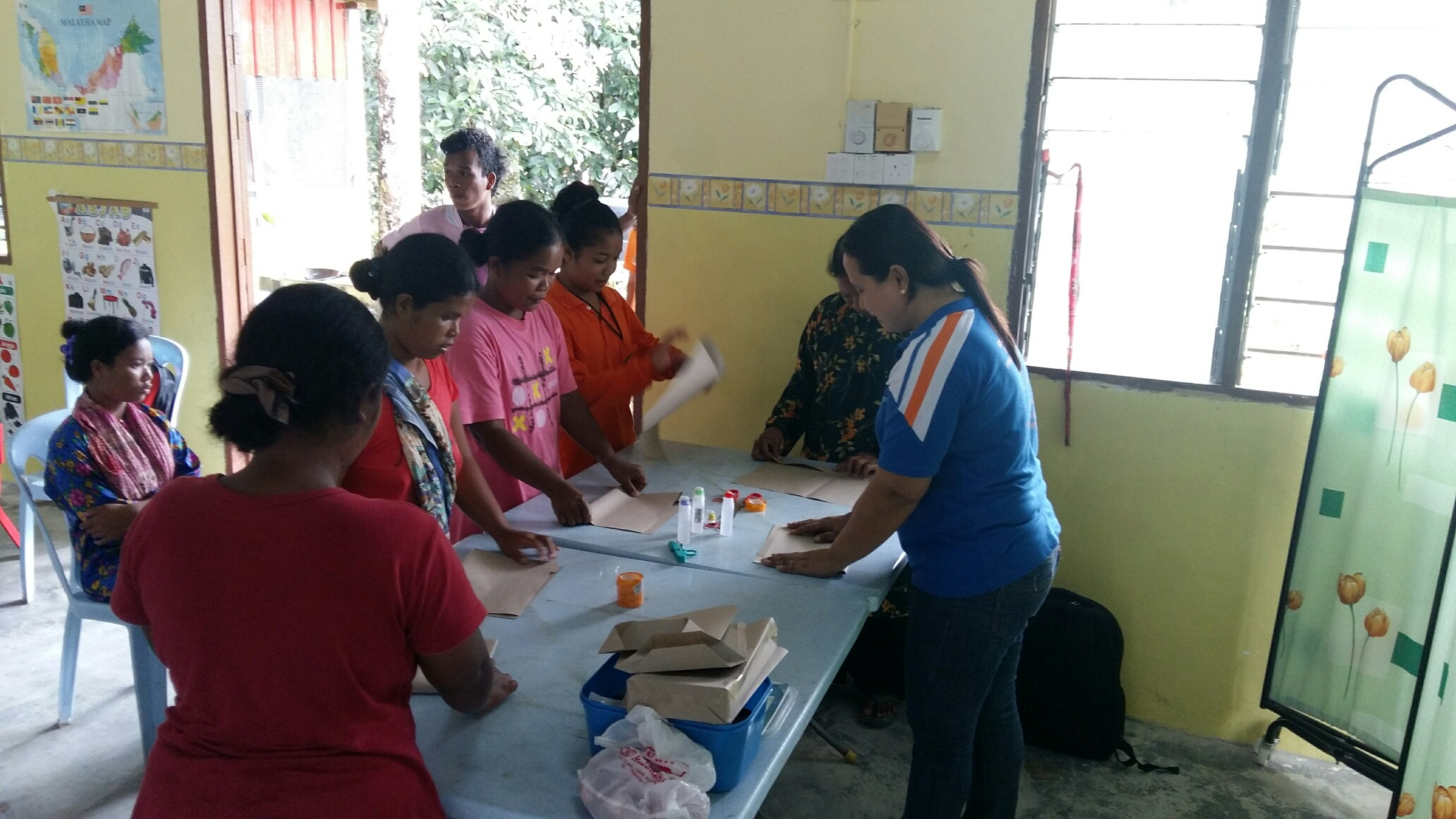 SSVP craft class at Kg Sinju Education Centre