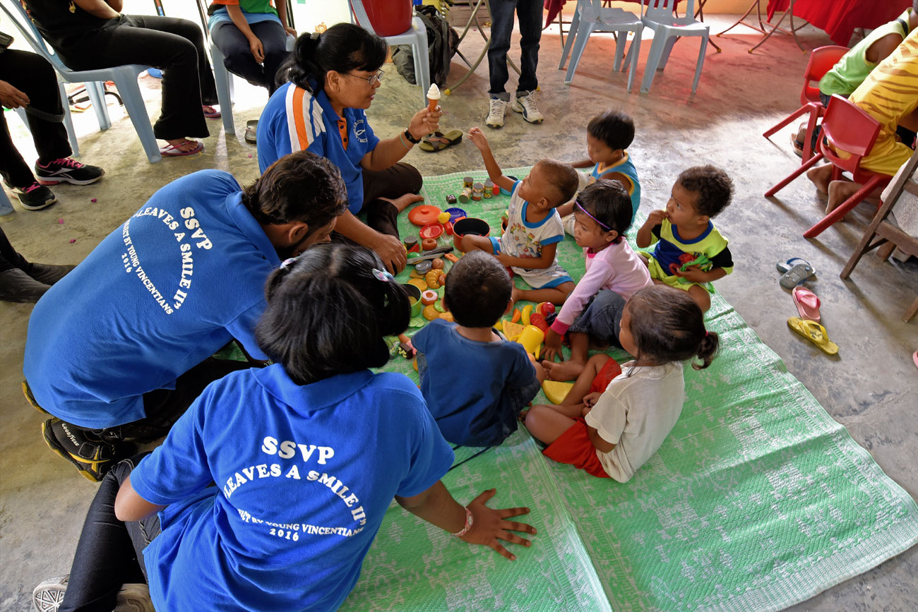 SSVP volunteers conducting trial classes with children
