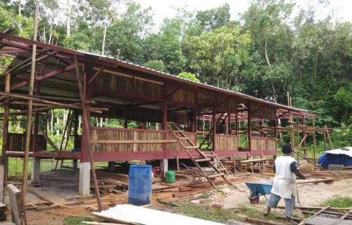 Building community hall at Pos Kemar